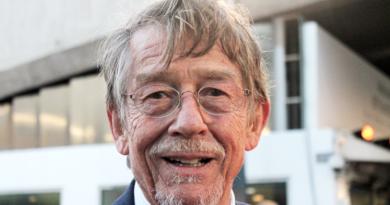 Le molte morti di John Hurt